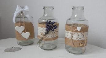 vázičky z prázdných lahví