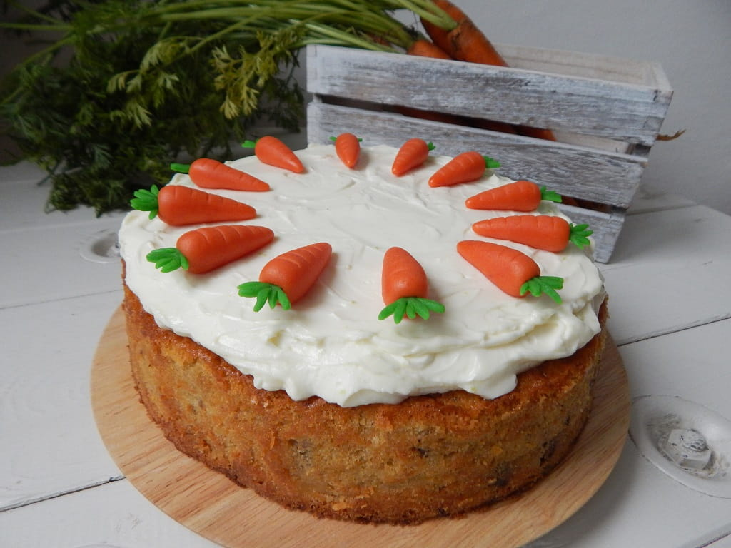 mrkvový dort s bedýnkou