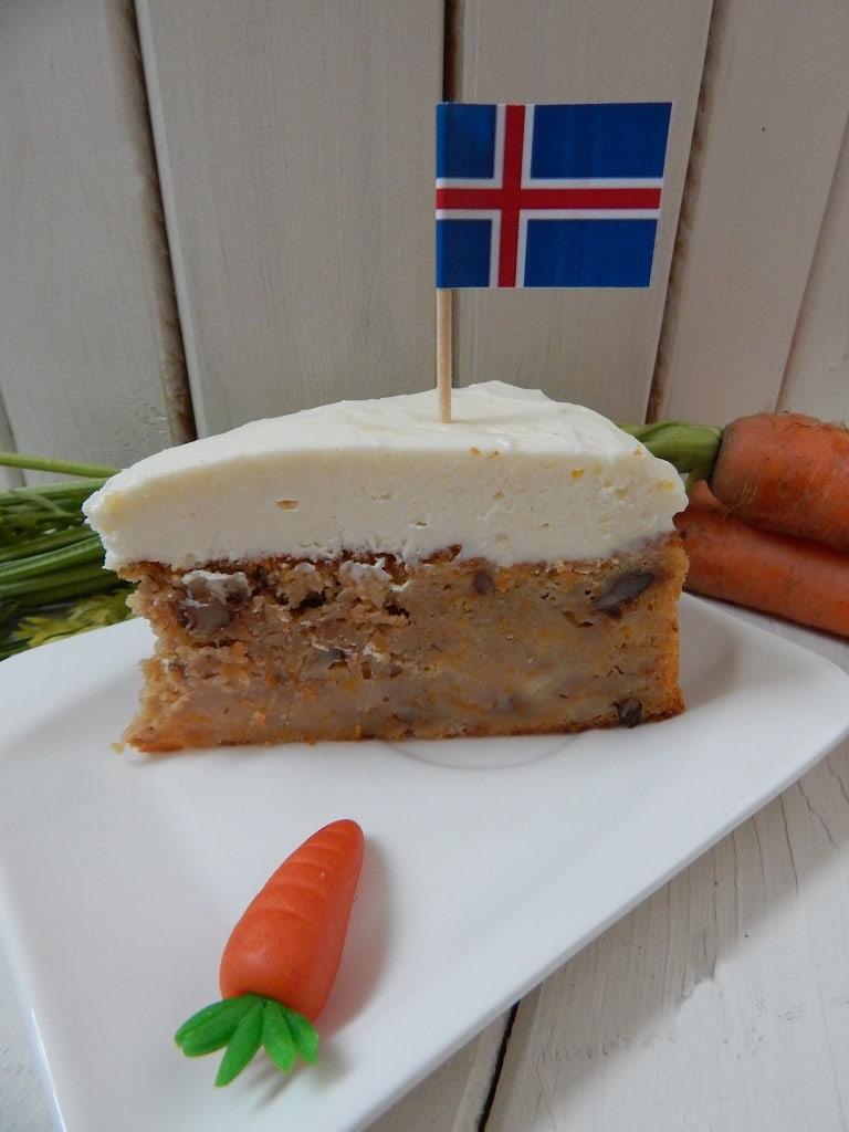 mrkvový dort s islandskou vlajkou