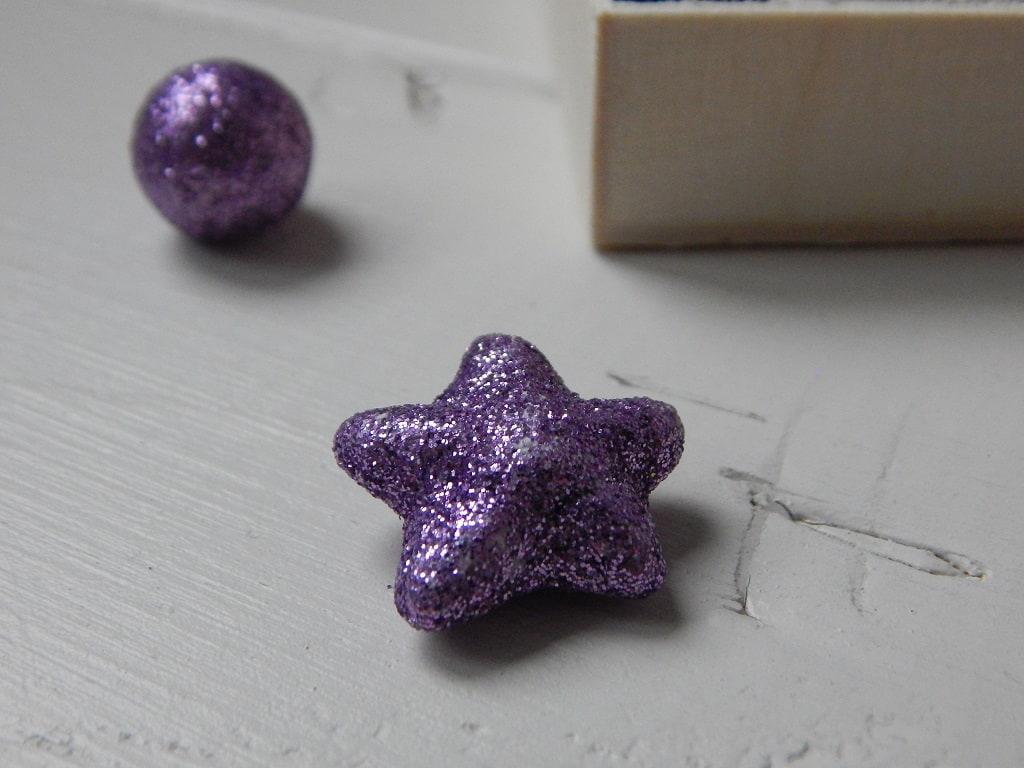 fialová hvězdička
