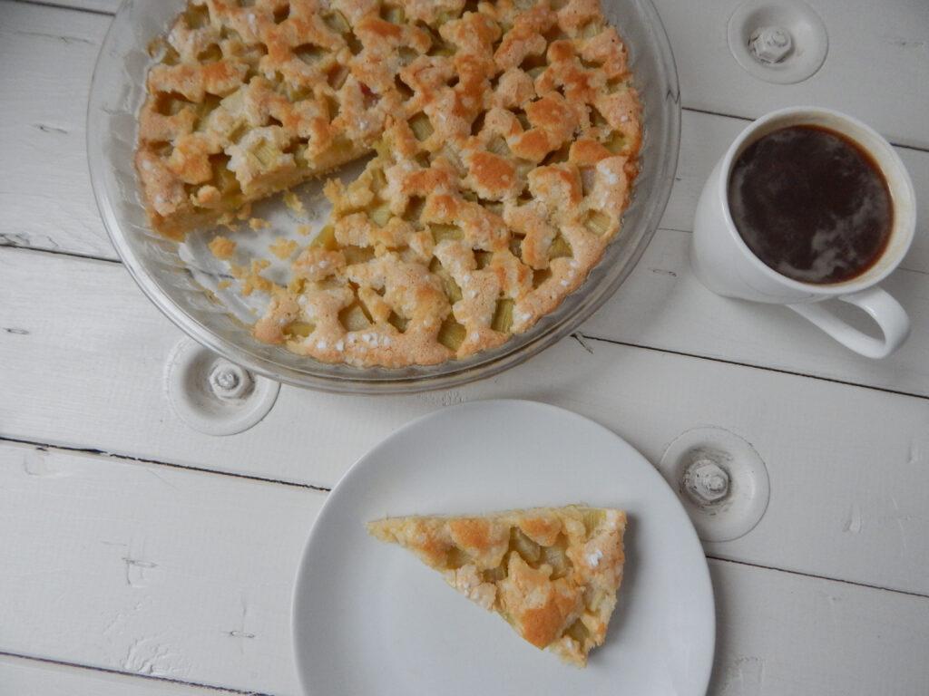 rebarborový koláč s perlovým cukrem