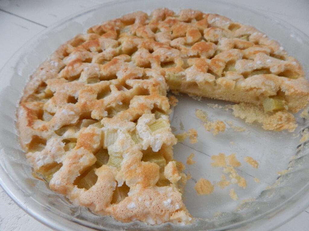 rebarborový koláč ve skleněné koláčové formě